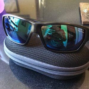 Costa men's polarized sunglasses with case🕶